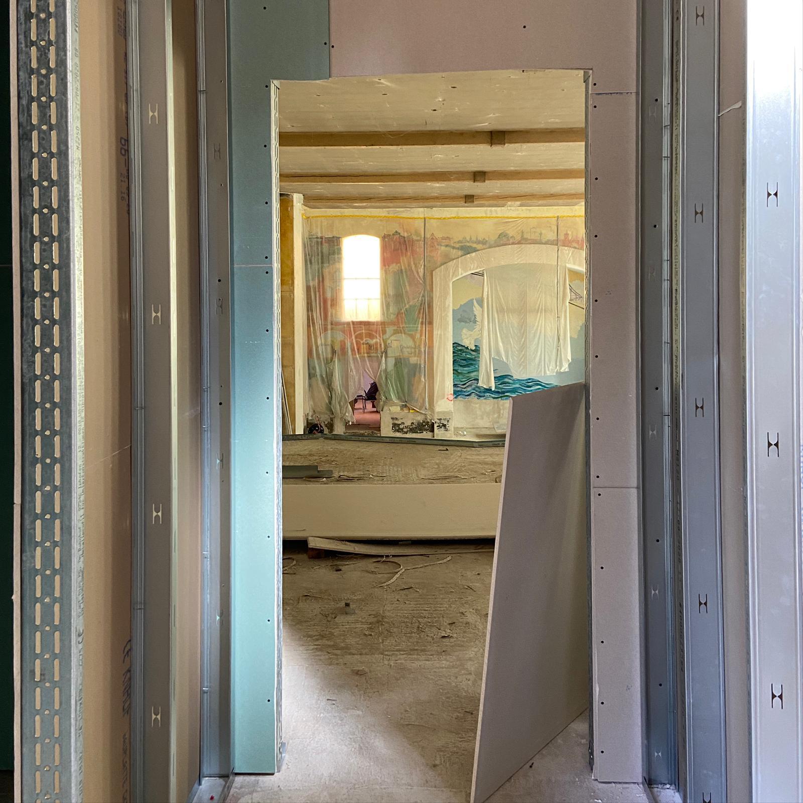 Bestandsgebäude: Trockenbaubände auf Empore