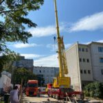 Neubau: Betonwände Keller Teleskopkran